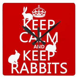 Behalten Sie ruhig und behalten Sie Kaninchen - Quadratische Wanduhr