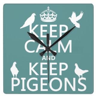 Behalten Sie ruhig und behalten Sie Tauben - alle Quadratische Wanduhr