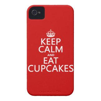 Behalten Sie ruhig und essen Sie kleine Kuchen iPhone 4 Etuis