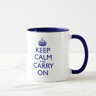 Behalten Sie ruhig und machen Sie Marine-Blau-Text Tasse