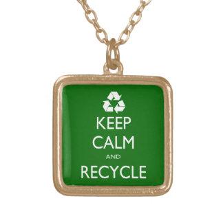 Behalten Sie ruhig und recyceln Sie Halskette