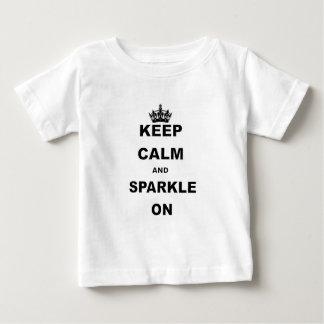 BEHALTEN Sie RUHIG UND SCHEIN ON.png Baby T-shirt