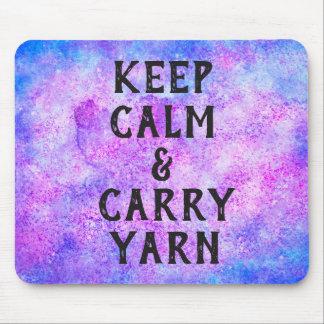 Behalten Sie ruhig und tragen Sie das lila Garn Mousepad