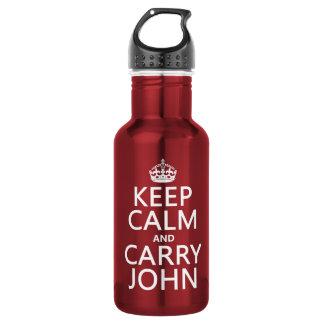 Behalten Sie ruhig und tragen Sie John (irgendeine Trinkflasche