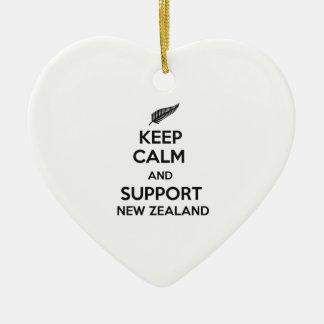 Behalten Sie ruhig und Unterstützung Neuseeland Keramik Ornament