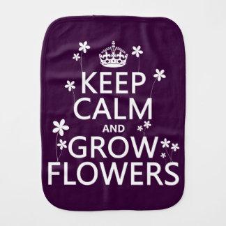 Behalten Sie ruhig und wachsen Sie Blumen (in Spucktuch