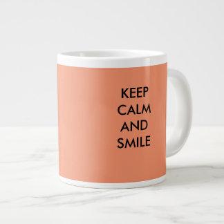 behalten Sie ruhige und Lächeln-Tasse Jumbo-Tasse