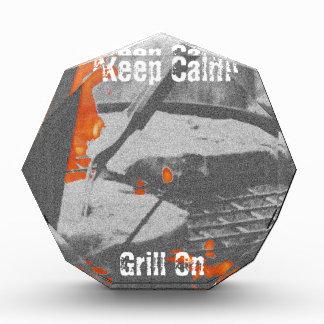 Behalten Sie ruhigen Grill an Acryl Auszeichnung