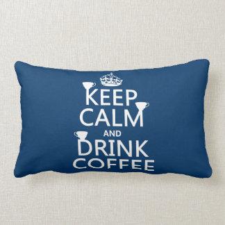 Behalten Sie ruhiger und Getränk-Kaffee - alle Lendenkissen