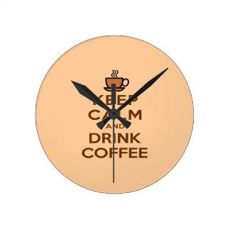 Behalten Sie ruhiger und Getränk-Kaffee Runde Wanduhr