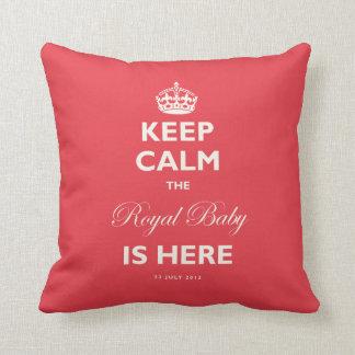 Behalten Sie ruhiges königliches Kissen