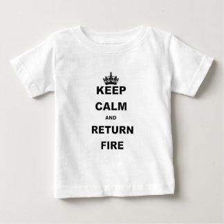 BEHALTEN Sie RUHIGES UND RÜCKHOLFIRE.png Baby T-shirt