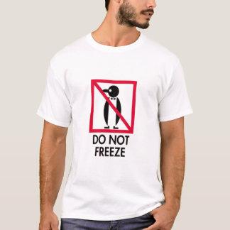 Behalten Sie weg von Penguins T-Shirt