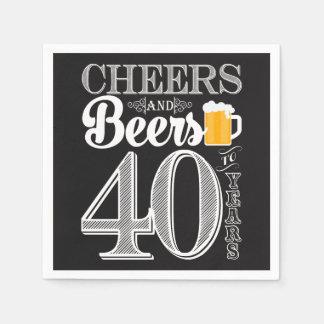 Beifall und Biere zu 40 Jahren Servietten