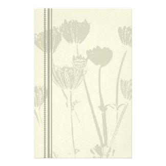 Beige Blumen-Briefpapier Personalisierte Druckpapiere