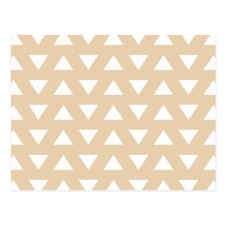 Beige geometrisches Muster mit Dreiecken Postkarte