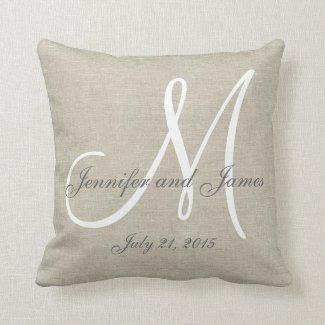 Beige graues Weiß-Monogramm-Hochzeits-Leinenandenk Kissen