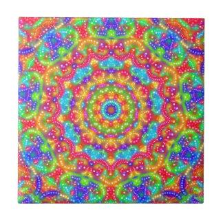Belichtete Punkte auf rotem Kaleidoskop Keramikfliese