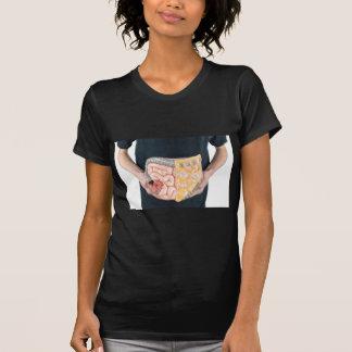 Bemannen Sie das Halten des Modells der T-Shirt