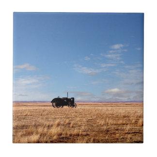Bengough Traktor auf dem Grasland Keramikfliese