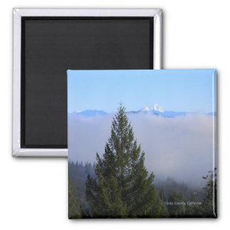 Berg Lassen im Nebel… Quadratischer Magnet