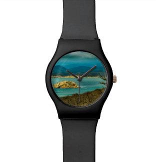 Berge und Meer an Machalilla Nationalpark Uhr