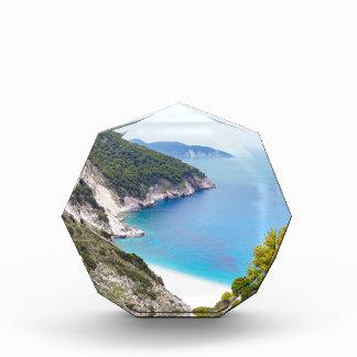 Berge und Meer in der griechischen Bucht Acryl Auszeichnung