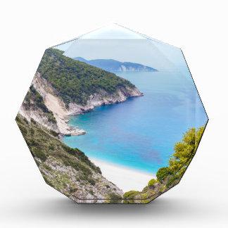 Berge und Meer in der griechischen Bucht Auszeichnung