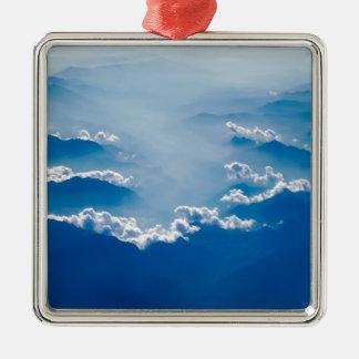 Berge und Wolken Silbernes Ornament