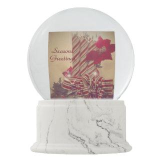 Beribboned Feiertags-Kerze Schneekugel