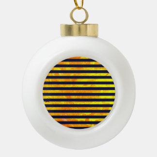 Bernsteinfarbiges Streifenmuster des Hintergrundes Keramik Kugel-Ornament