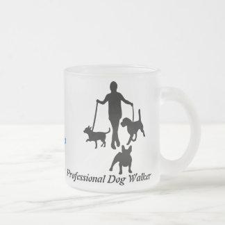 Beruflicher Hundewanderer Mattglastasse