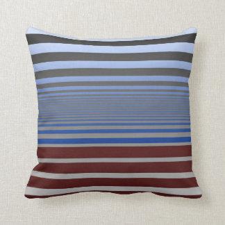 Beruhigendes Blau und Burgunder-Steigungs-Streifen Kissen