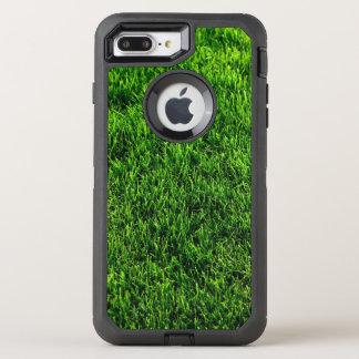 Beschaffenheit des grünen Grases von einem OtterBox Defender iPhone 8 Plus/7 Plus Hülle