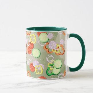 Beschaffenheit mit Scheiben des Gemüses Tasse