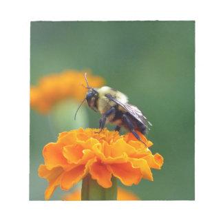 Beschäftigte Biene Notizblock