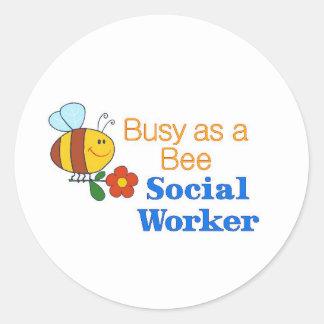 Beschäftigte Bienen-Sozialarbeiter Runder Aufkleber