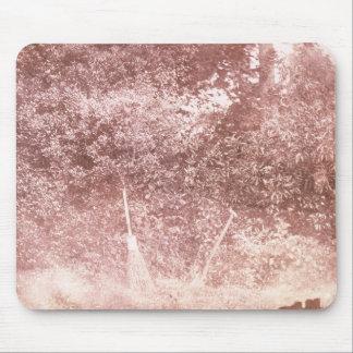 Besen und Spaten, 1842 (b/w Foto) Mousepad