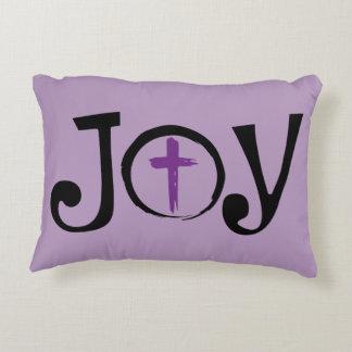 Beten Sie es Pillow heraus mit einer wenig Freude Zierkissen