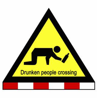 Betrunkene Leute kreuzen⚠ thailändisches Zeichen ⚠ Freistehende Fotoskulptur
