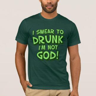 Betrunkener und verwirrter Tag St. Paddys T-Shirt