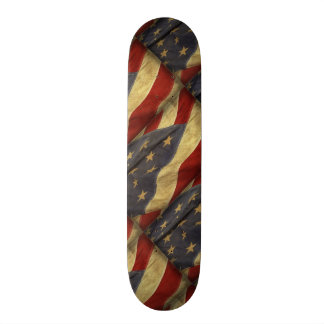 Beunruhigte amerikanische Flagge Skateboard Deck