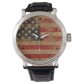 Beunruhigte Flagge-Uhren Uhr