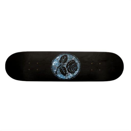 Beunruhigte Rosen-Silhouette-Miniatur - Blau Skateboarddecks