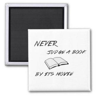 Beurteilen Sie nie einen Buch-Magneten Quadratischer Magnet