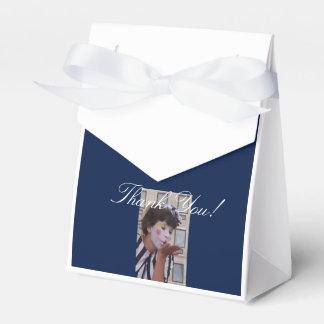 Bevorzugungs-Kasten - Seite des Bildes eins Geschenkschachtel