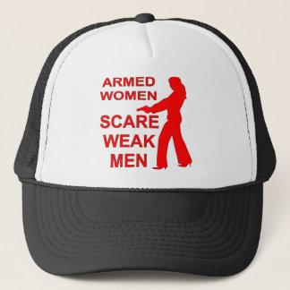 Bewaffnete Frauen erschrecken schwache Männer Truckerkappe