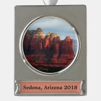 Bewölkter Kaffee-Topf-Felsen in Sedona Arizona Banner-Ornament Silber