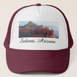 Bewölkter Kaffee-Topf-Felsen in Sedona Arizona Truckerkappe