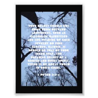 Bibel-Vers-Plakat über Schönheit (1 Peter-3:3 - 4) Fotodruck